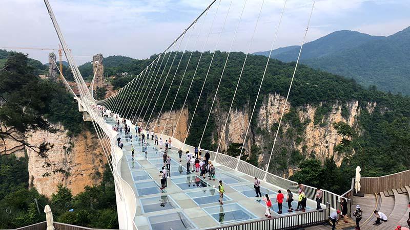 4 Cây Cầu Kính Ở Trung Quốc Không Dành Cho Người Yếu Tim