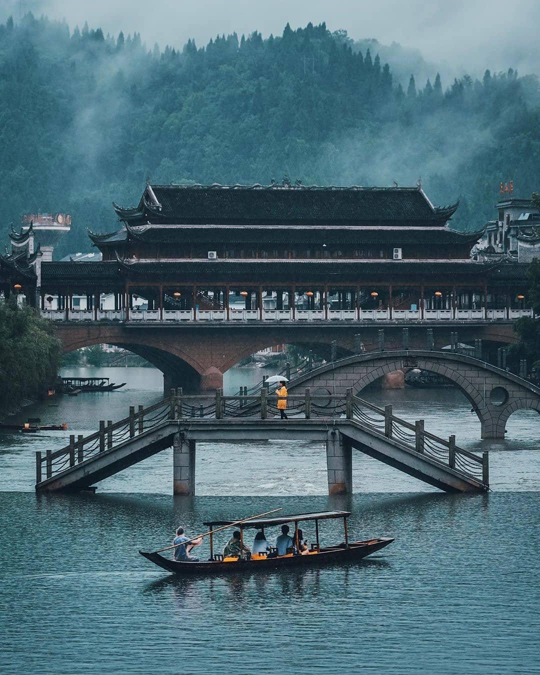 Phượng Hoàng cổ trấn - Trương Gia Giới : Đi là mê!