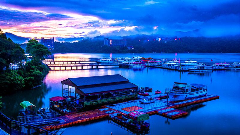 Hồ Nhật Nguyệt cảnh đẹp hùng vĩ và mơ màng sắc sơn thủy hữu tình